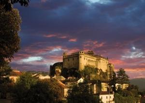 Castello Bardi tramonto con nuvole rosse